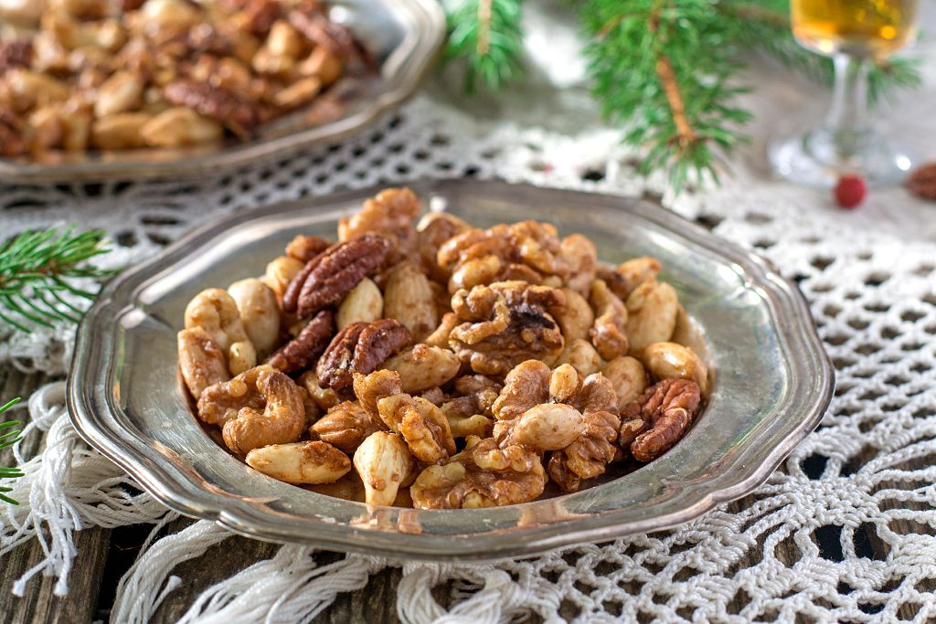 Crock Pot Spiced Nuts